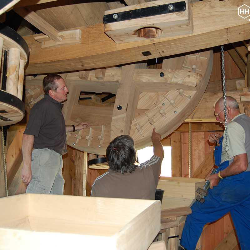 Onderhoudswerken in de molen<br>23-05-2009 - ©Damien De Leeuw (Helemaal Herzele)